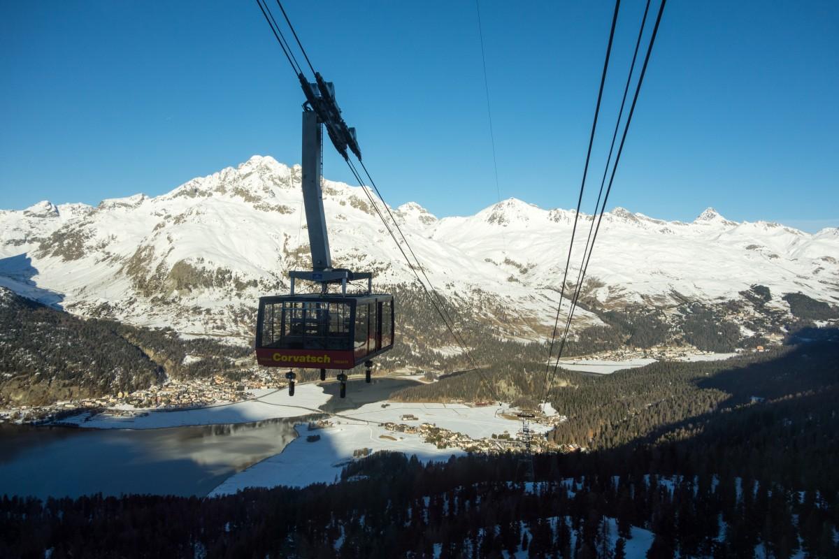 Luftseilbahn Surlej - Murtèl mit Silvaplana und St. Moritz