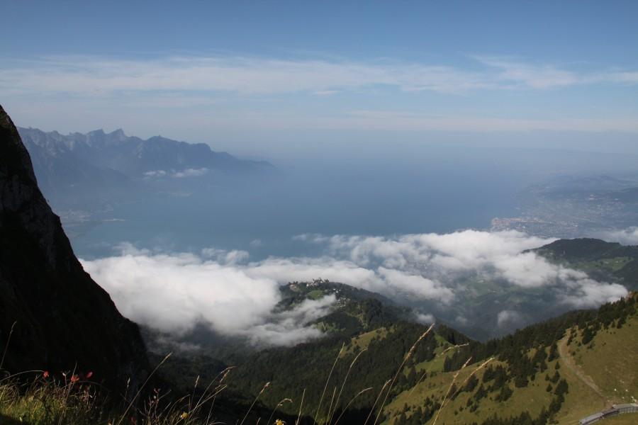 Panorama vom Rochers-de-Naye auf den Genfer See