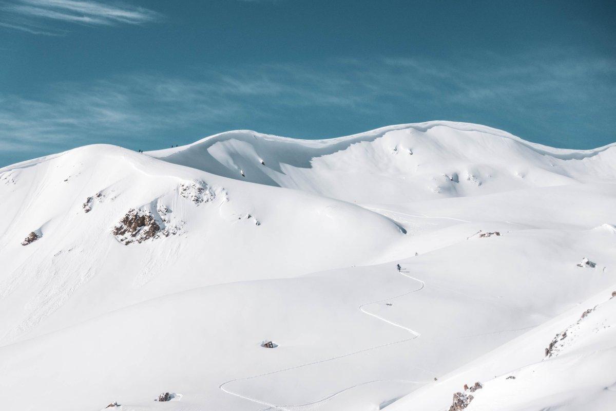 Skitourengeher oberhalb der Schatzalp