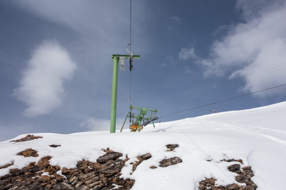 Bergstation des Schlepplifts Combe Durand, April 2018